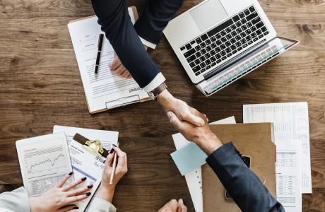 שיקולים בהפיכת עסק עצמאי לחברה בע